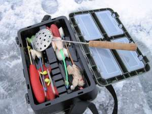 Подготовка к зимней рыбалке на окуня
