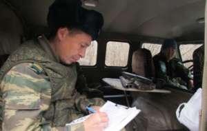 Инспектор Якутии при заполнении бланков; нарушение рыболовного запрета в Якутии