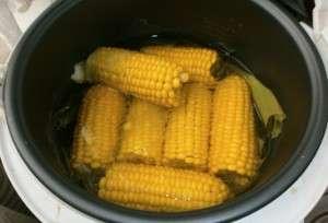 Варка початков кукурузы